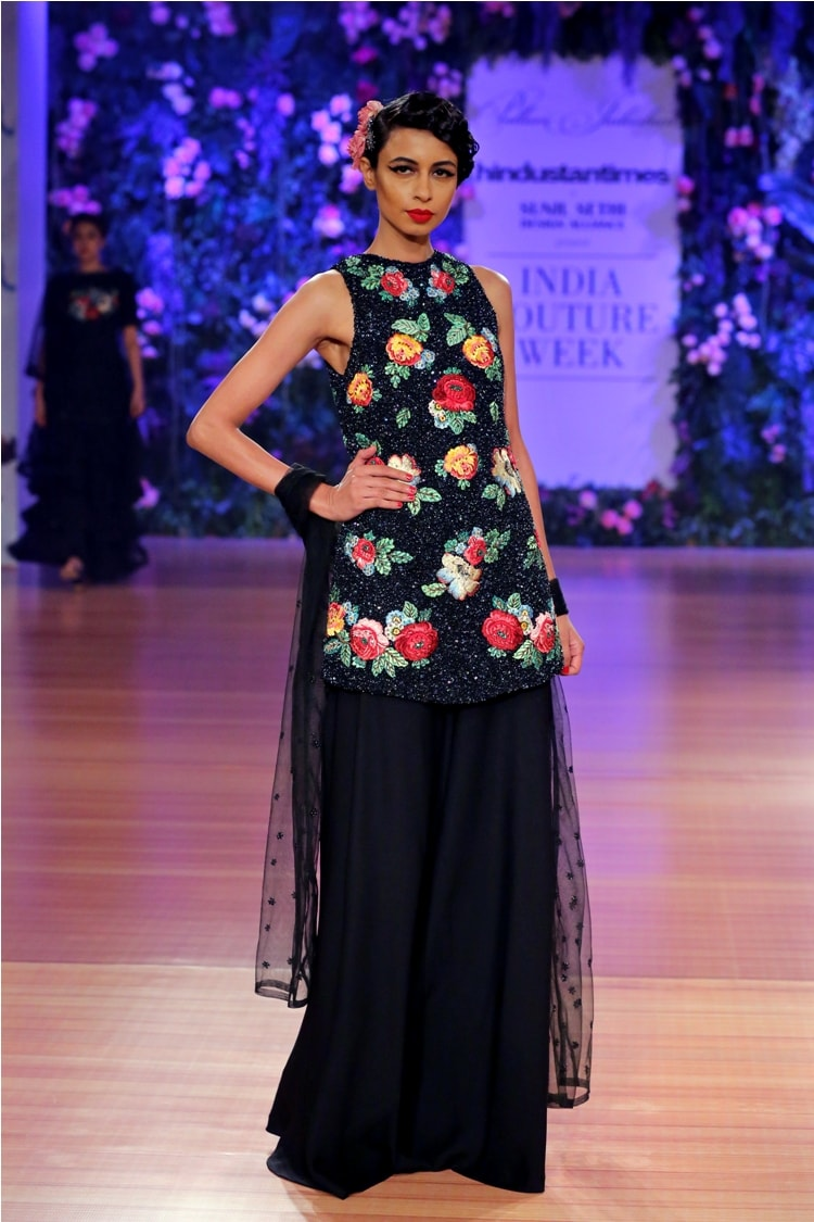 _'Nostalgia' by Pallavi Jaikishan at India Couture Week 2018 (10)