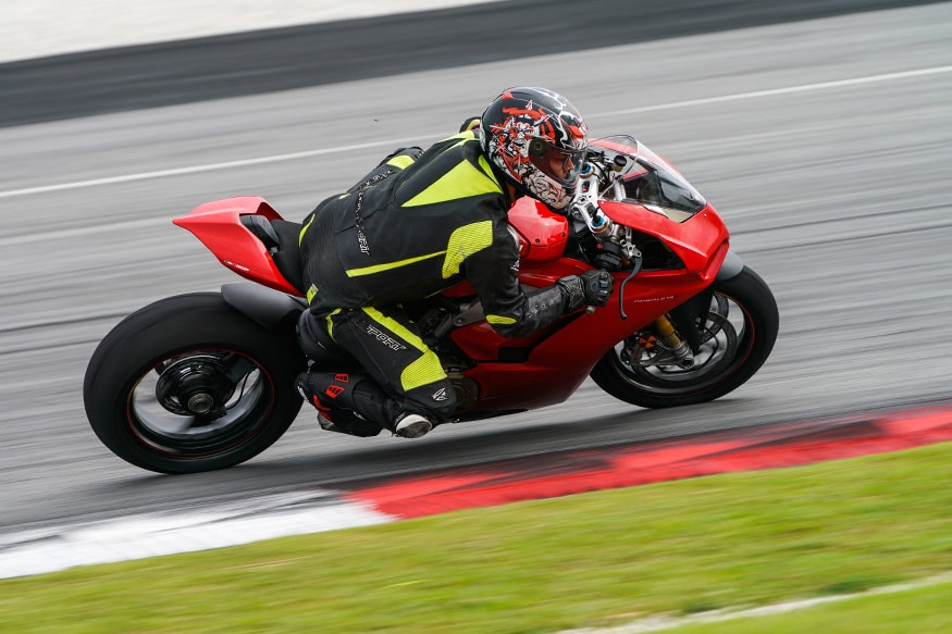 The Ducati Panigale V4 is a confidence inspiring machine. (Photo: Ducati)