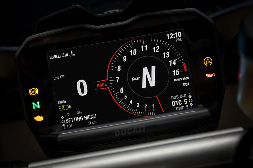 Ducati-Panigale-V4-instrument-cluster