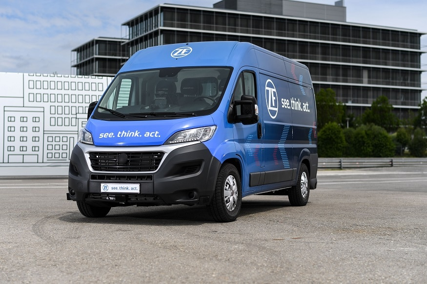 The ZF Innovation Van's autonomous driving functions contribute to making parcel deliveries more efficient for a secure future. (Image: ZF)