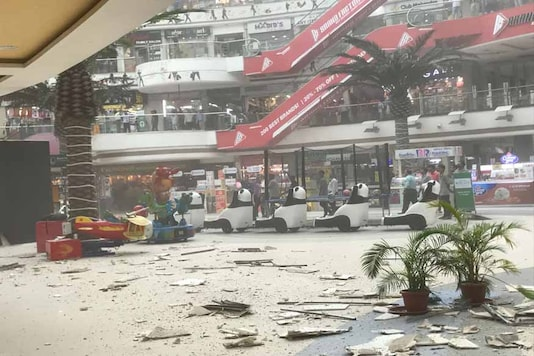 The Navi Mumbai mall where a portion of the ceiling collapsed on Tuesday afternoon. (Photo: Newss18)