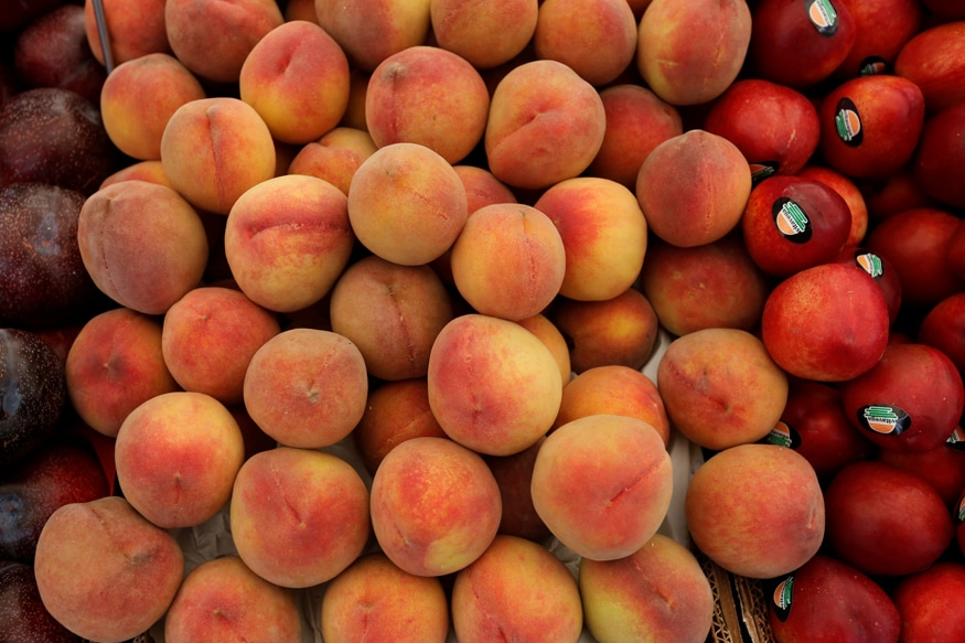 7 Benefits of Peaches That make Them a Summer Staple