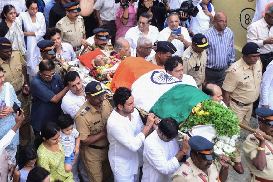 Legendary Indian Captain Ajit Wadekar's Funeral Procession
