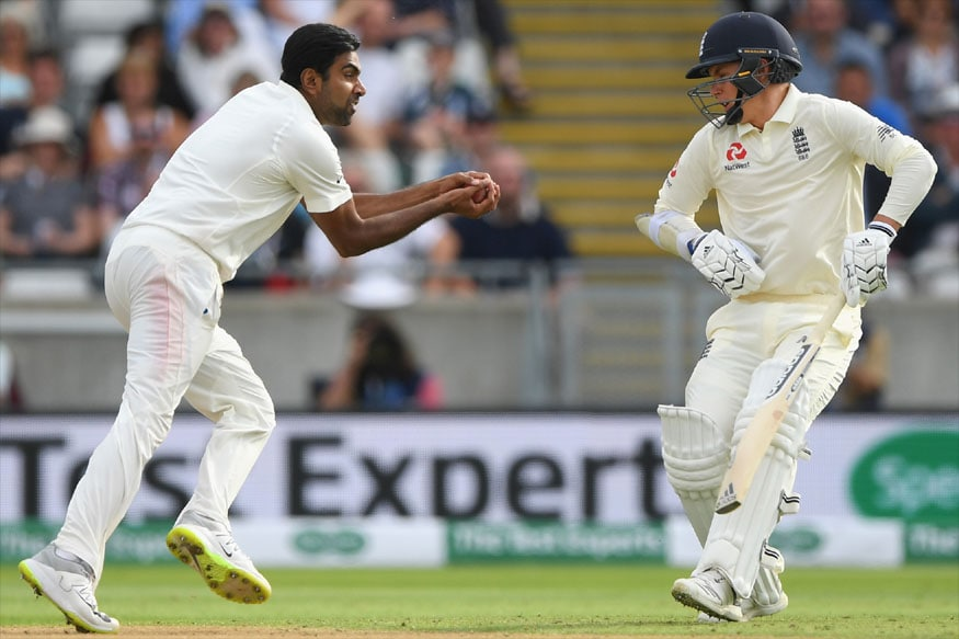 R Ashwin takes the catch as Sam Curran moves away. (AFP Image)