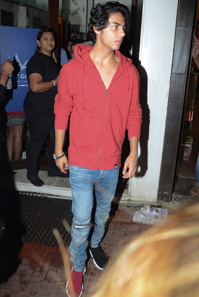 Aryan Khan leaves post the 'Friendship Day' party. (Image: Viral Bhayani)