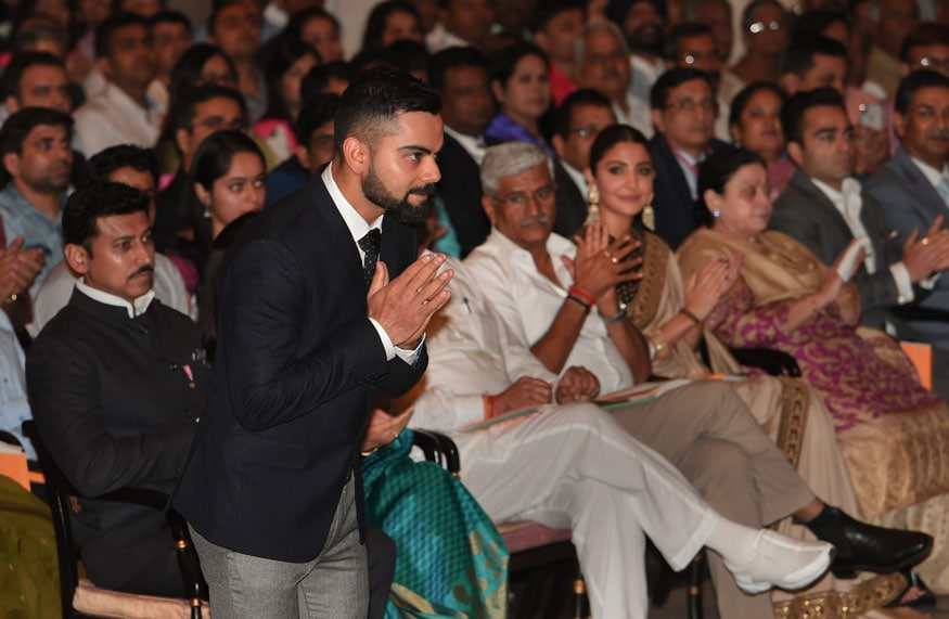 Virat Kohli Seeks Blessings from 87-year Old Superfan After India Reach Semis