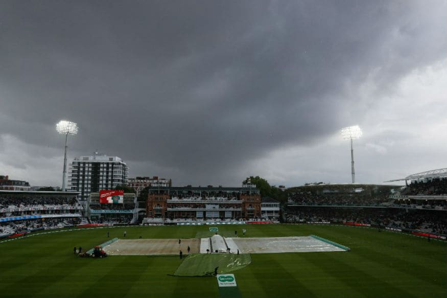Interesting Pictures From India vs England Second Test Match