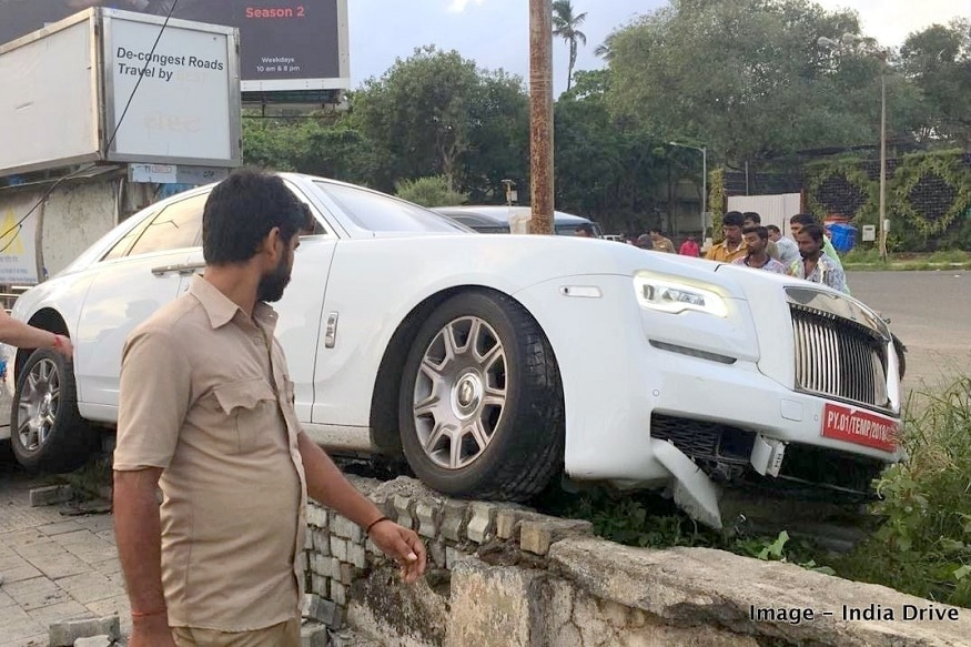 Brand New Rolls Royce Ghost Worth Rs 7 Crore Crashed In Mumbai