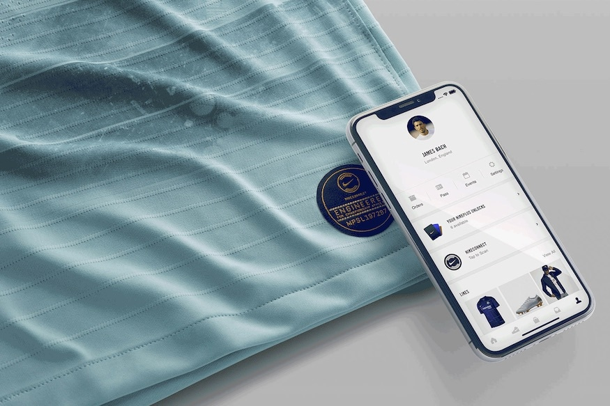 brand new adc1a b7f8b Nike's Latest Chelsea Jersey Can Talk to Fans' Phones - News18