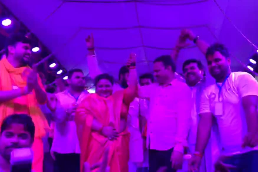 Video Shows 'Insensitive' Bahraich MLA Dancing Her Heart Out as Fever Kills 70 Kids in Her City