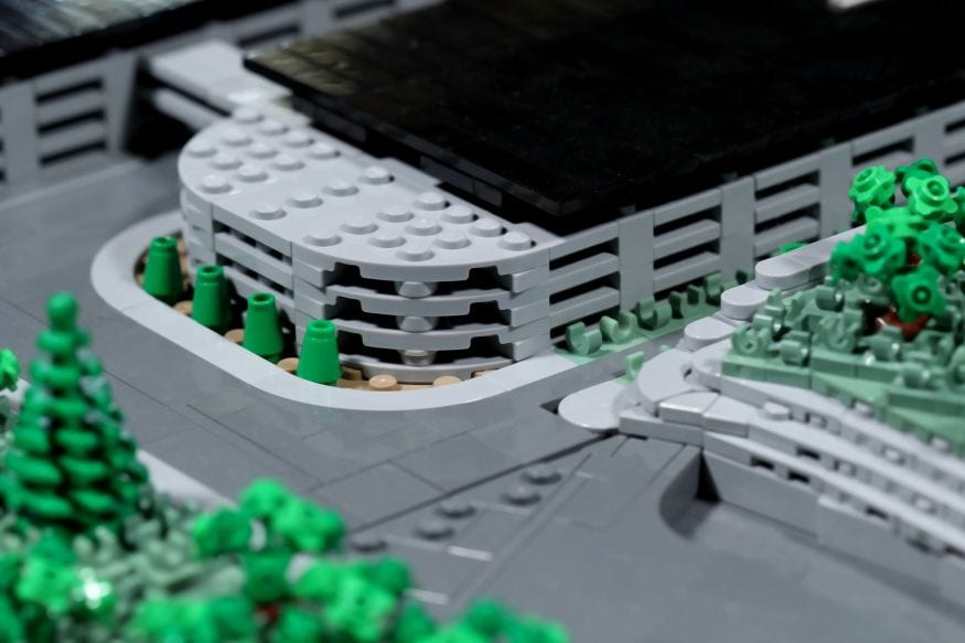 Apple Park LEGO-2
