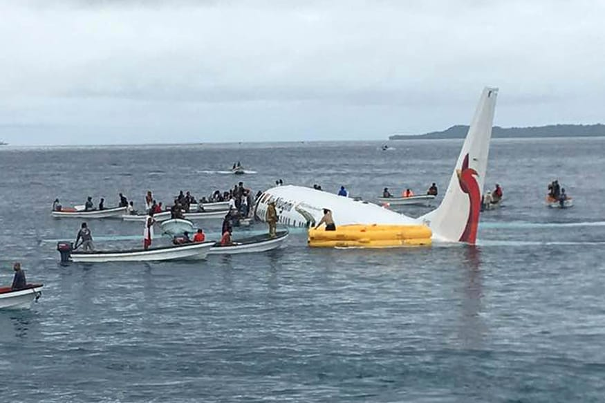Five Killed as Honduras Plane Plunges into Sea Minutes After Taking Off