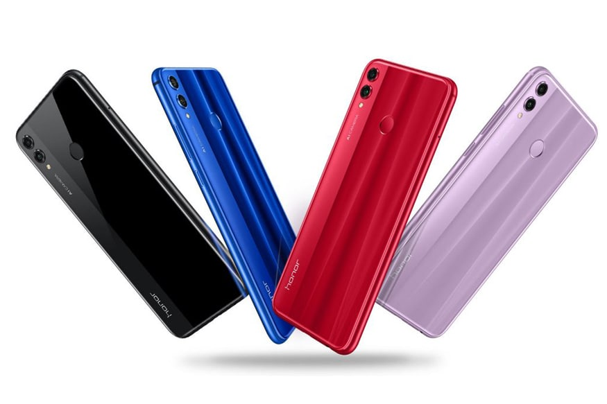 6.5-inch (2340 × 1080 pixels) Full HD+ 19:5:9 2.5D curved glass display.