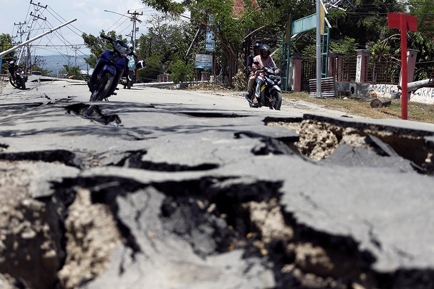 7.3 Magnitude Earthquake Kills Two, Render Over 2,000 Homeless in Indonesia