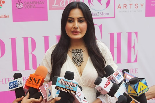 Kamya Punjabi interacts with media during the Aspiring She awards, held in Mumbai. (Image: Special Arrangement)
