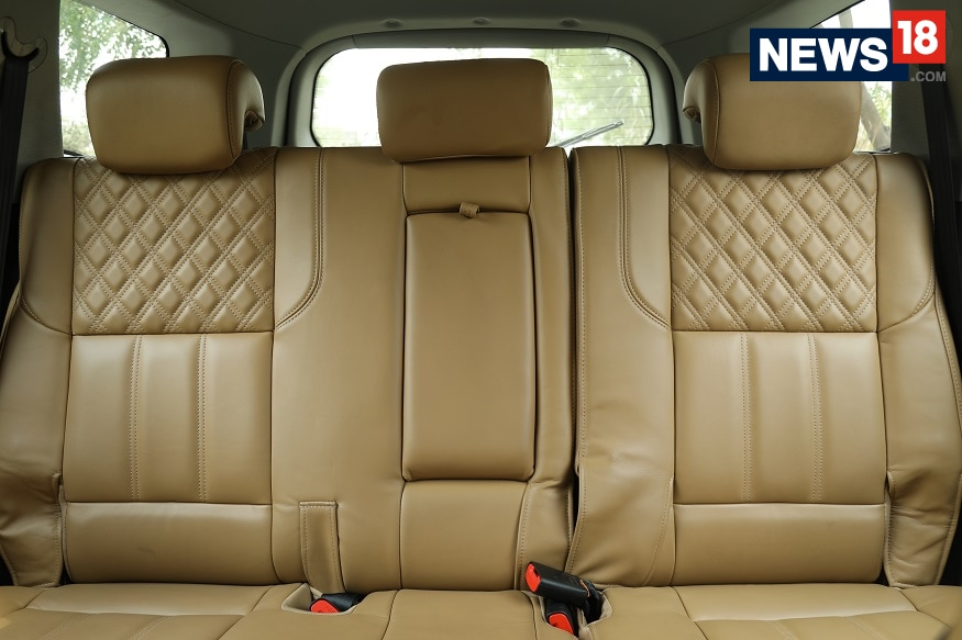 2018 Mahindra XUV500 comes with tan-colored seats. (Image: Siddharth Safaya/ News18.com)