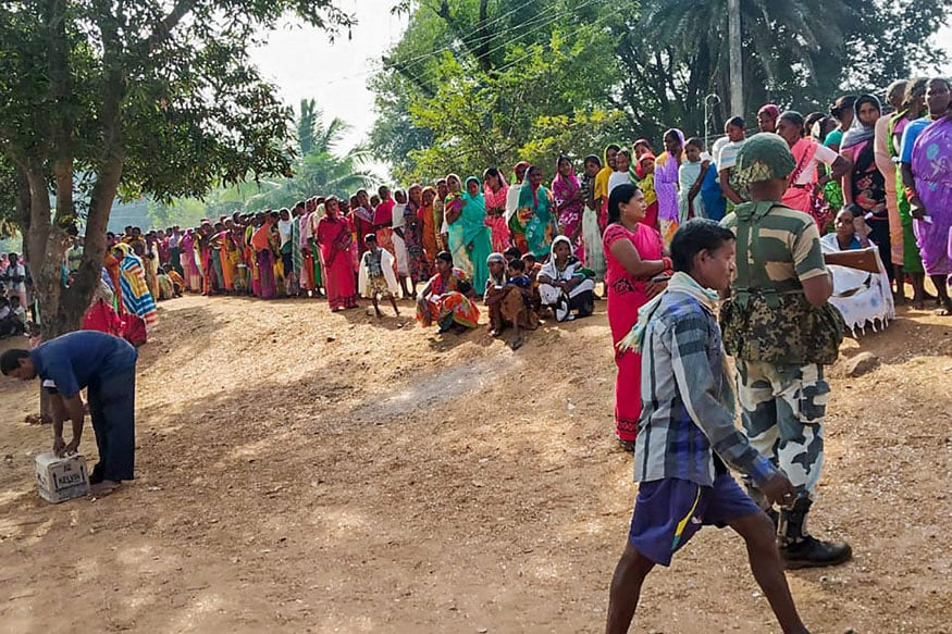 70% Turnout in Chhattisgarh's Red Belt as People Ignore Maoist Threat; 2 Naxals Killed in Encounter