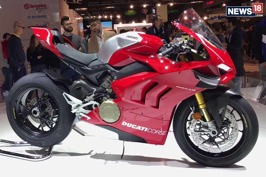2019 ducati panigale v4 r first look at eicma 2018 news18. Black Bedroom Furniture Sets. Home Design Ideas