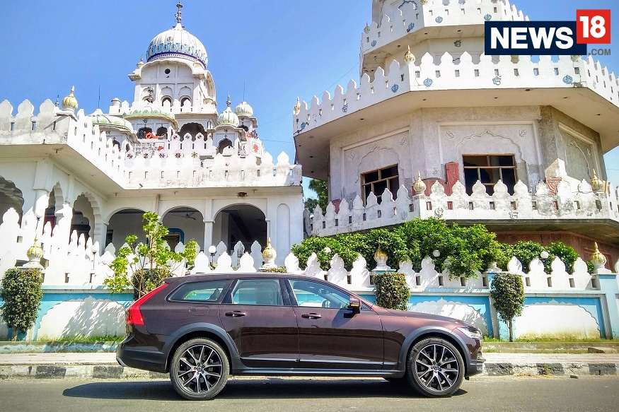 Weekend Getaway from Delhi to Chandigarh in Volvo V90 Cross Country - Travelogue