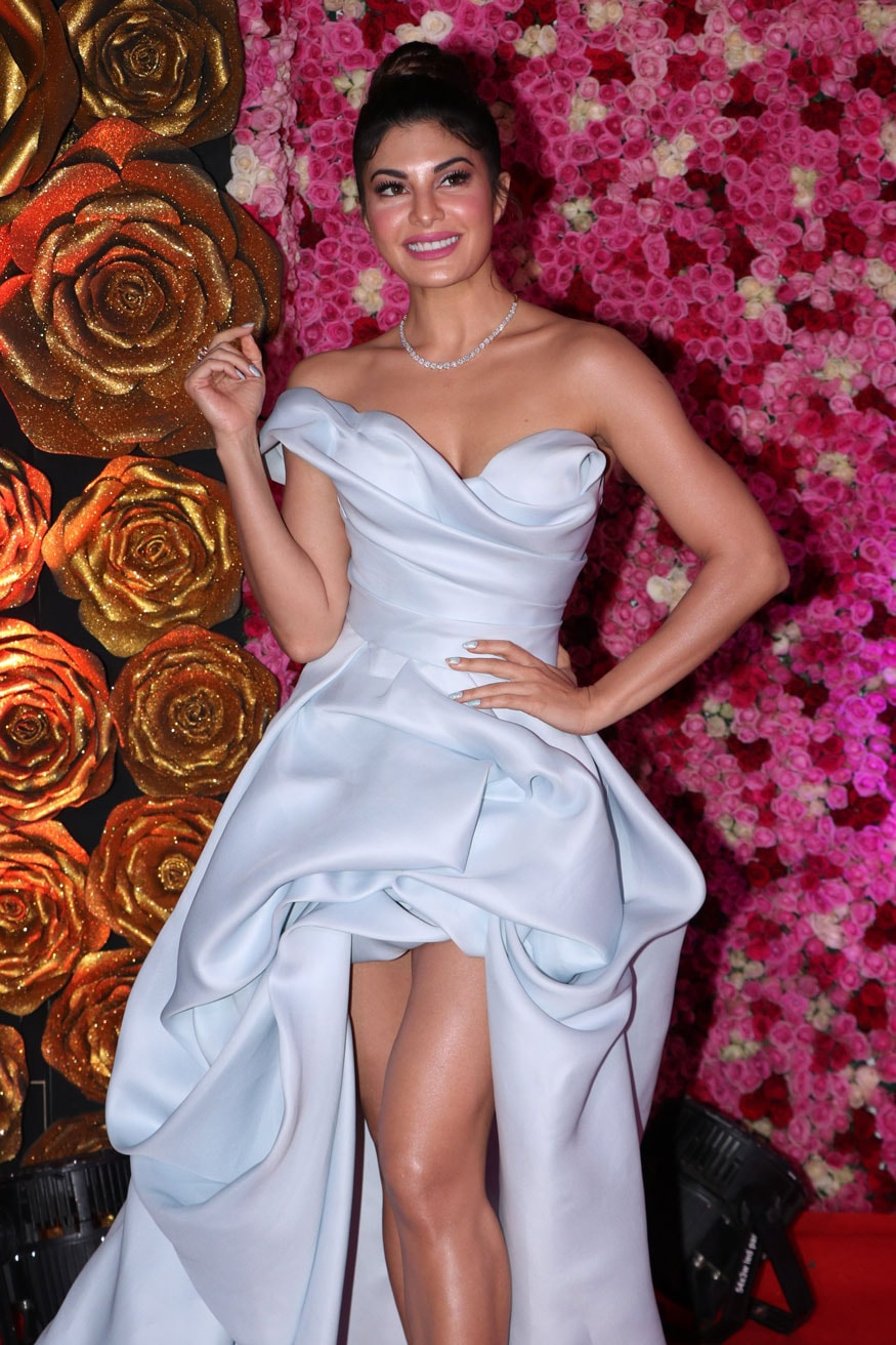 Jacqueline Fernandez smiles for a photo as she walks the red carpet at the Lux Golden Rose Awards 2018 in Mumbai. (Image: Viral Bhayani)