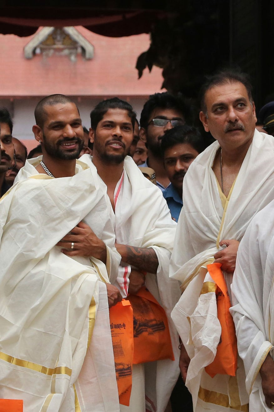 Cricketers Visit Padmanabhaswamy Temple Ahead of Their 5th ODI