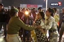 Woman Grabs A Scuffle With Female Police Personnel In Patna