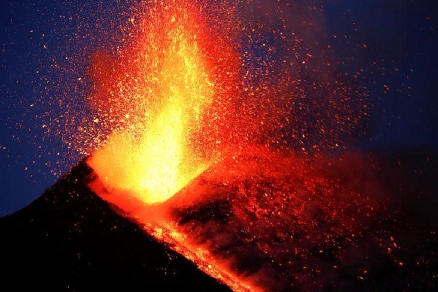 Europes Highest Active Volcano Mount Etna Erupts In Italy