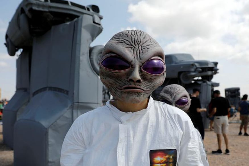A NASA Scientist Just Threw a Huge Surprise at Us: 'Aliens May Have Visited Us, We Just Didn't Notice'