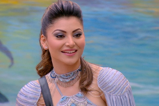 Bigg Boss invited popular Bollywood actress, Urvashi Rautela as a special guest, who also got gifts for the contestants, that were sent by their families. (Image: Colors TV)