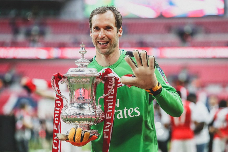 915e1825965 Arsenal Goalkeeper Petr Cech to Retire at End of Season - News18