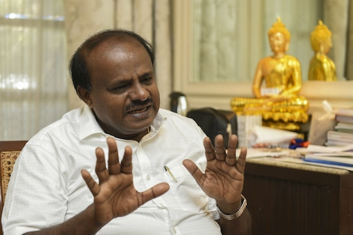 Karnataka Cong Chief Meets Mandya Party Leaders Over Their Dinner with Rival Independent Candidate