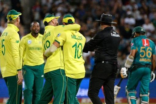 Miller's Fielding Heroics Earn Du Plessis Praise