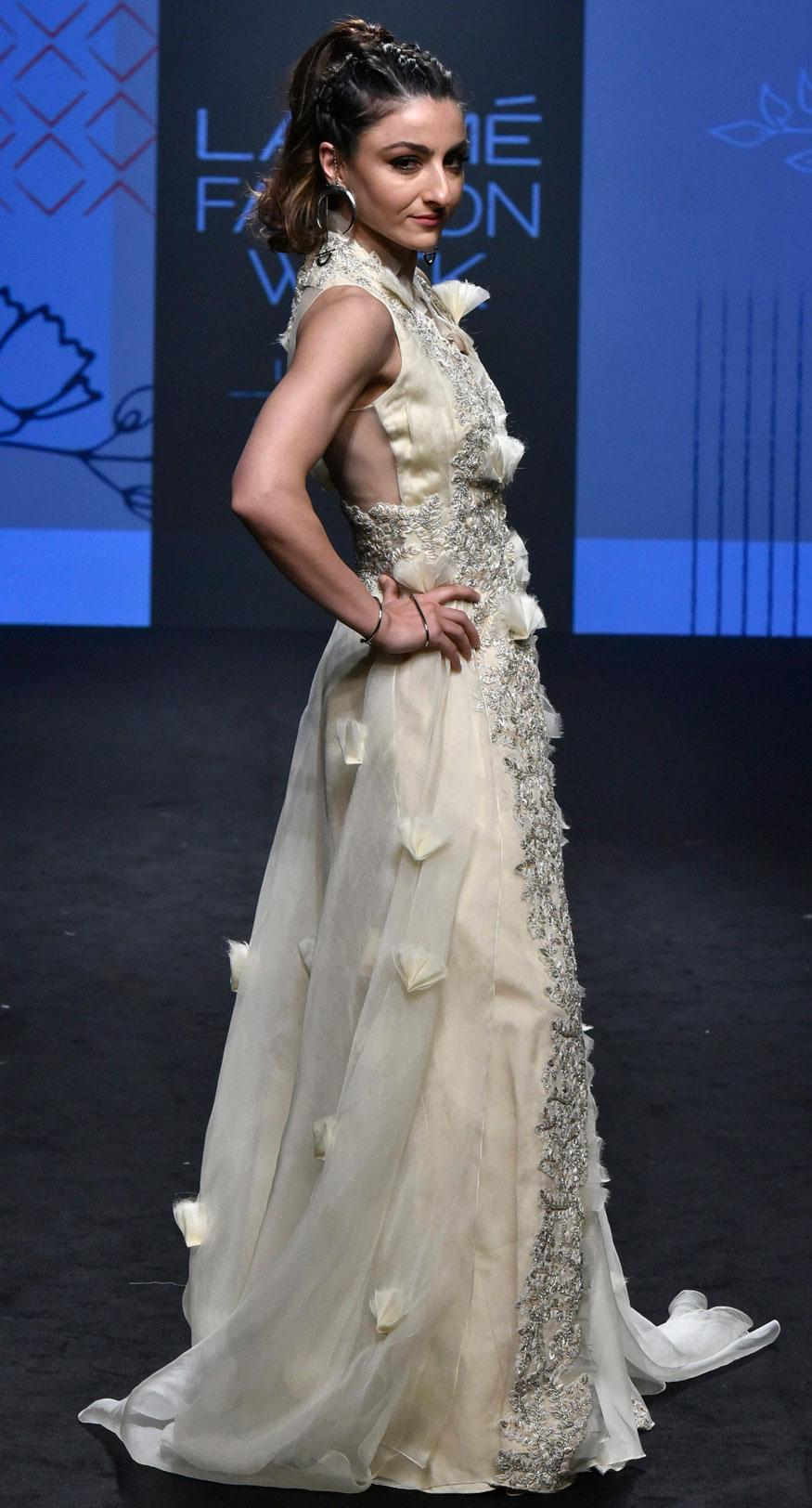 Bollywood Divas Walk The Ramp At Lakme Fashion Week 2019 Photogallery