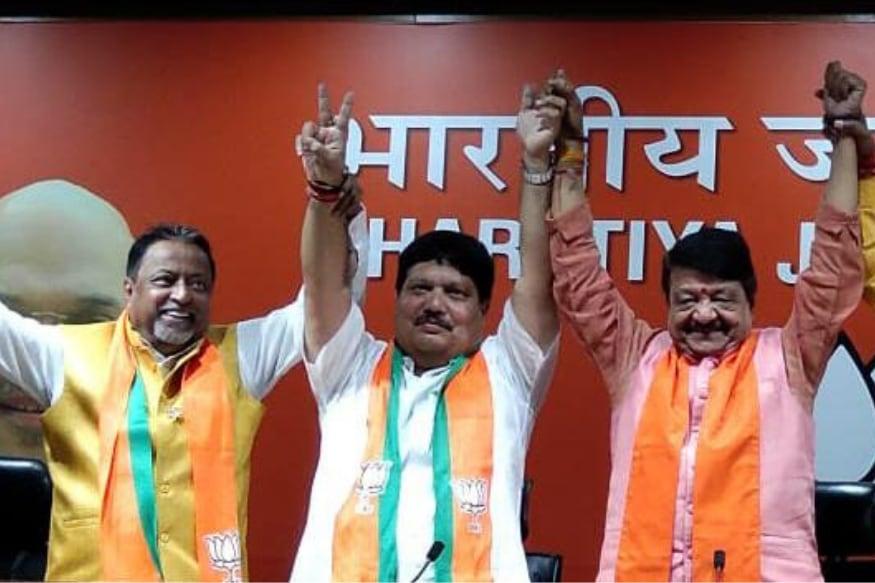 TMC MLA Arjun Singh joins BJP in New Delhi (News18)