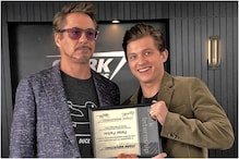 In New Avengers Endgame Photo, Tony Stark is Giving Out Internship Certificate to Peter Parker