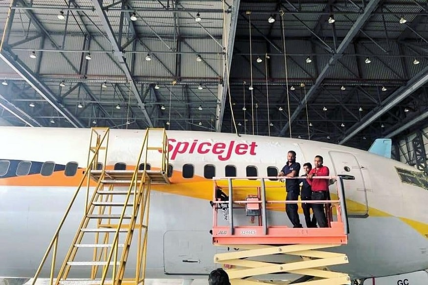 SpiceJet Repaints Grounded Jet Airways' Boeing 737 Planes with Own Livery
