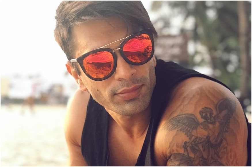 On His 38th Birthday, Karan Singh Grover Launches Art Website, YouTube Channel