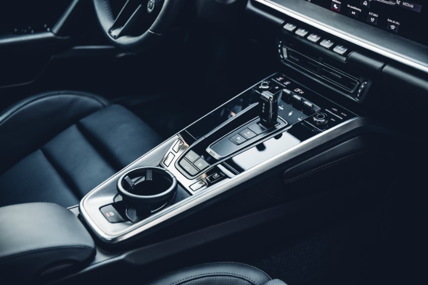 The 911 Carrera S models feature a new eight-speed dual-clutch transmission (PDK). (Image: Porsche)