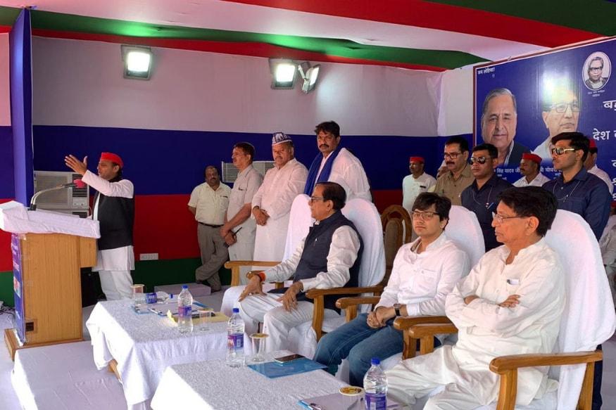 Meet Akash Anand, Mayawati's Nephew Who Spoke in Her Absence at Gathbandhan's Agra Rally