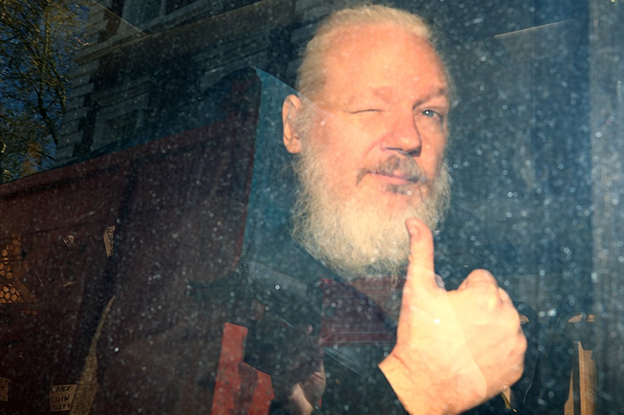 Ecuador claims to have been hit by 40 million cyber attacks since Assange arrest