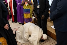 Amid Coup in Sudan, Pope Kisses Feet of South Sudan Leaders for 'Peace in Africa'