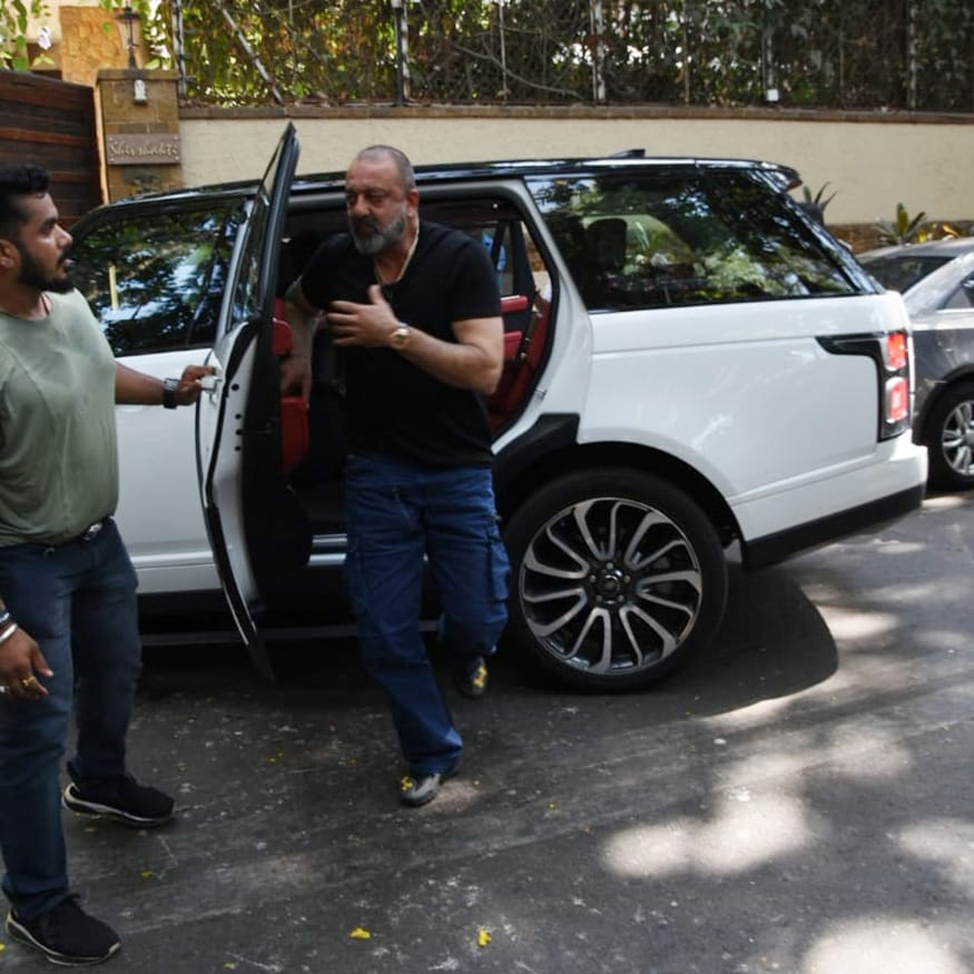 Sanjay Dutt arrives at Ajay Devgn's residence to offer condolences to the bereaved family. (Image: Viral Bhayani)