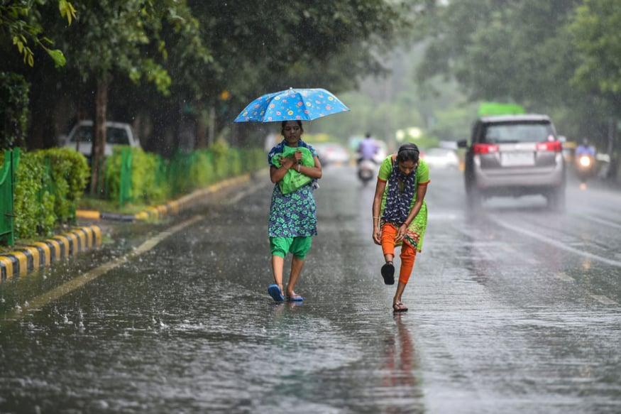 Temperature in Delhi Settles Seven Notches Below Season's Average