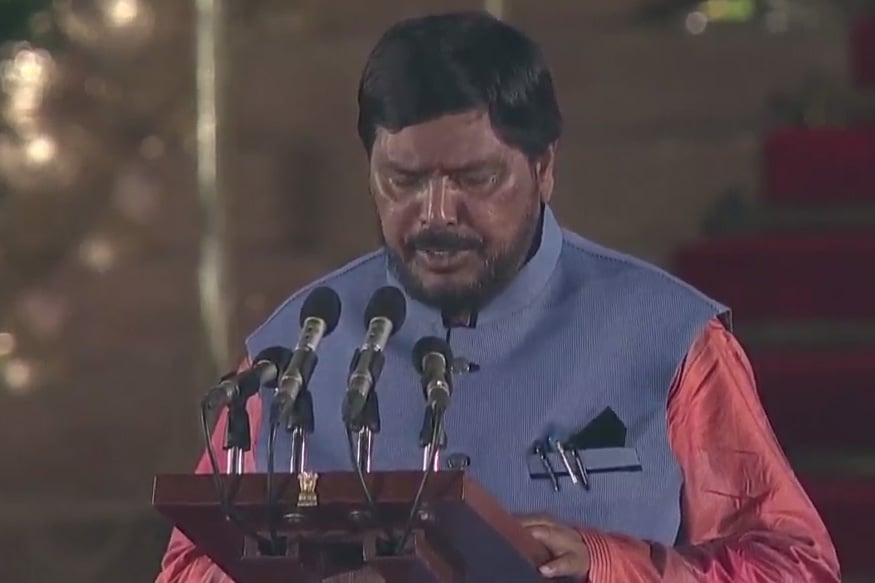 Union Minister Athawale Uses Humour to Take Dig at Rahul Gandhi