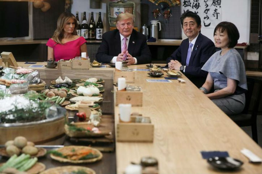 shinzo abe donald trump dine