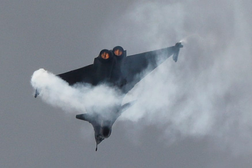 A Dassault Rafale fighter jet performs his demonstration flight at Paris Air Show, in Le Bourget, east of Paris, France. (Image: AP)