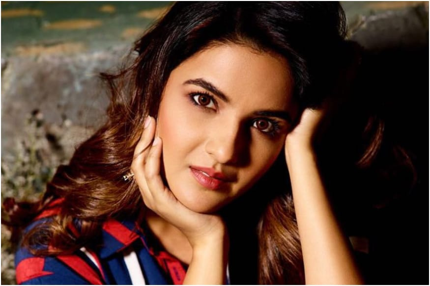 Jasmin Bhasin to Co-star with Nia Sharma in Ekta Kapoor's Naagin 4, Here's Her First Look - News18