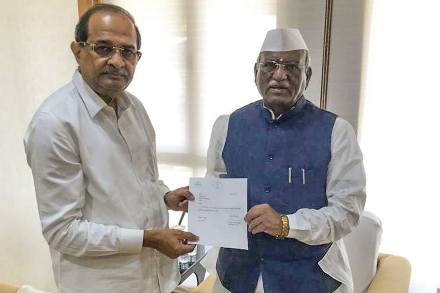 Former Congress Leader Vikhe Patil Sworn in as Maharashtra Minister