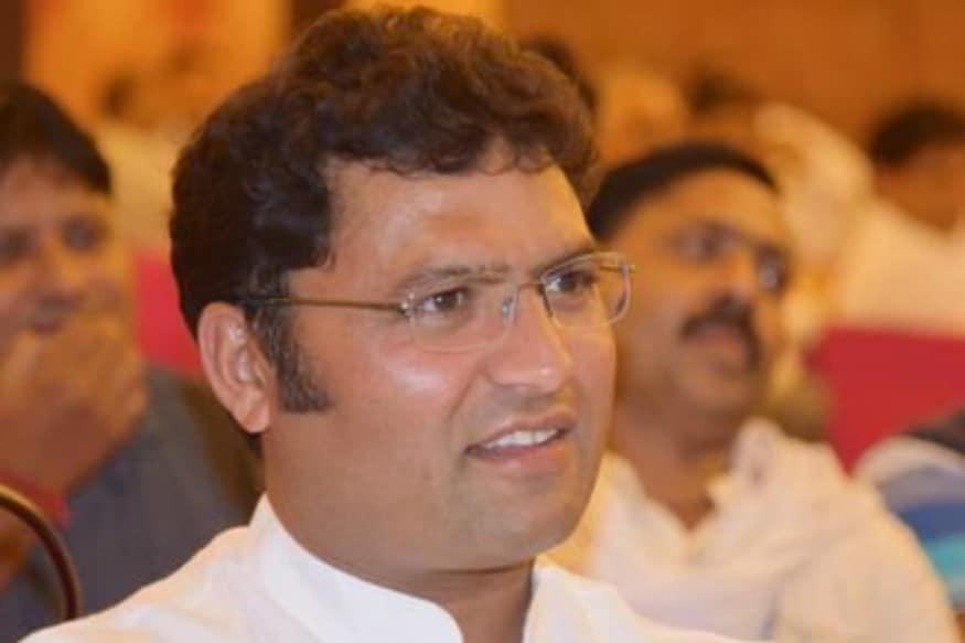 'Surgical Strike on Congress': Ahead of Haryana Polls, Ashok Tanwar Announces Support for Chautala's JJP