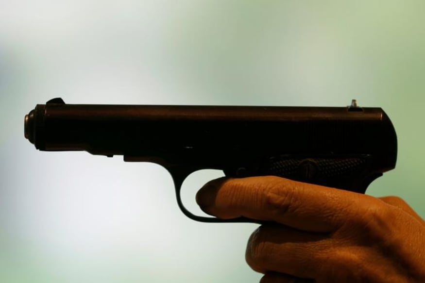 Lucknow Arms Shop Employee Demonstrates Gun's Efficiency to Buyer Near Police Station, Triggers Panic